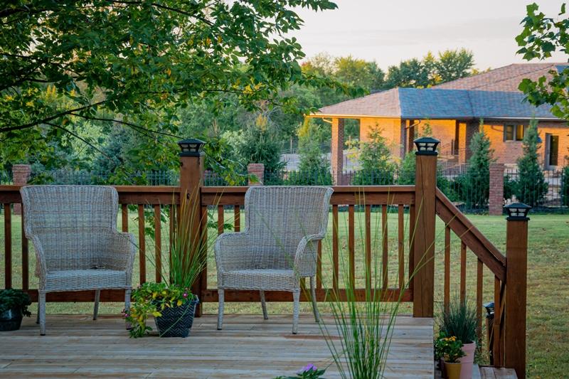 deko aus kunstgras terrasse dekorieren mit gras