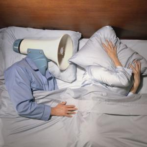 Was tun gegen Schnarchen - Tipps für einen friedlichen Schlaf