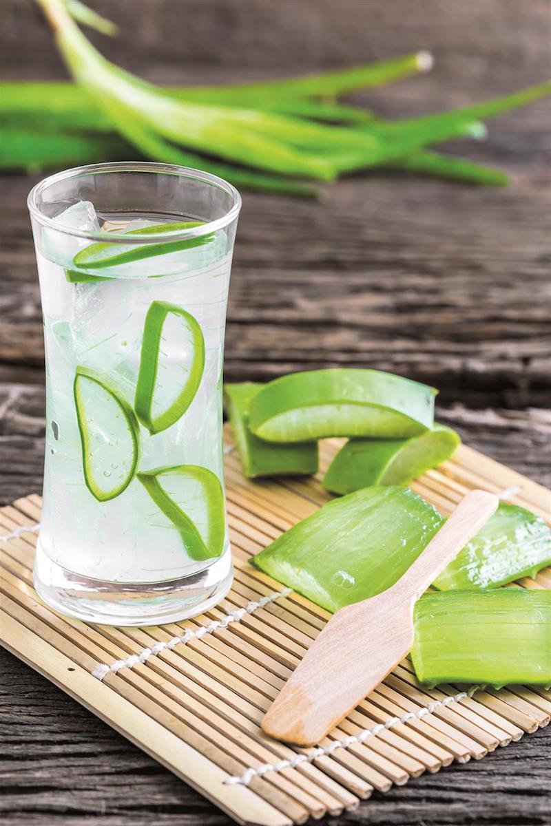 glas mit saft aus aloe vera wirkung rezepte