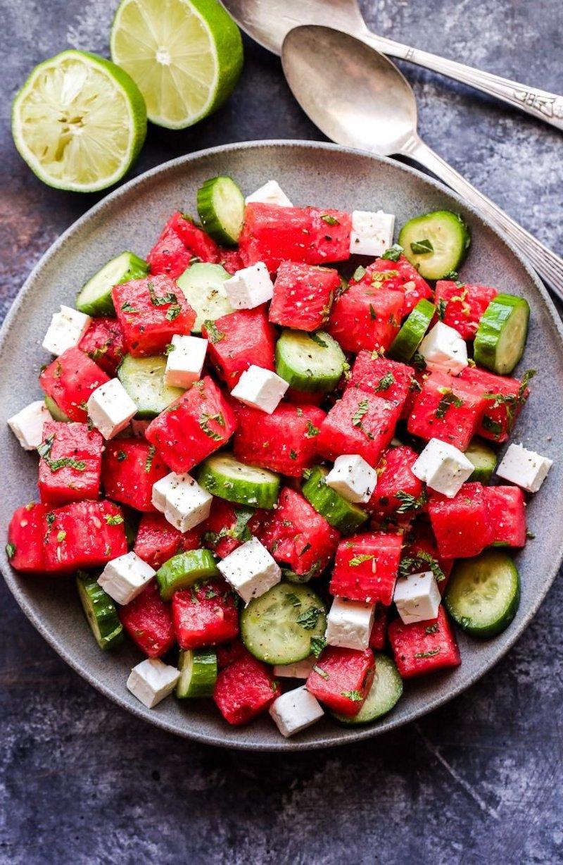 gurke kräuter käse salat mit wassermelone zubereiten