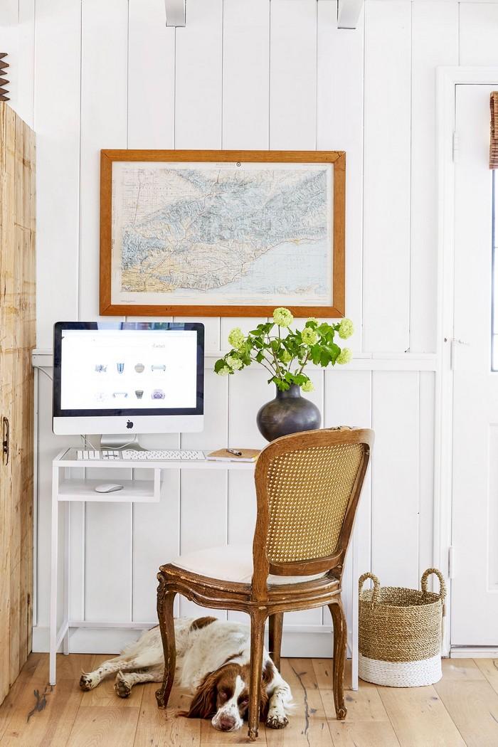 home office schreibtsch büro einrichten ideen schreibtisch home office büro einrichten heimarbeiten kleines schreibtisch weiß computer schirm hund unter dem tisch