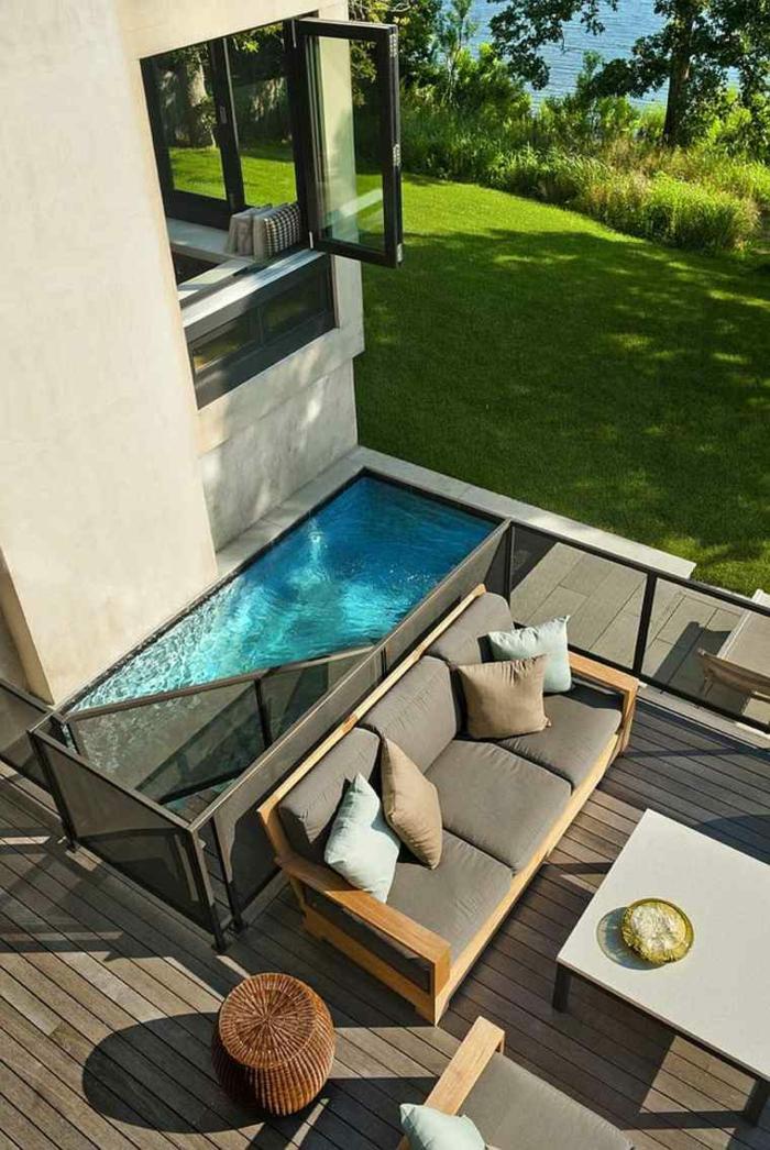 ideen pool für kleinen garten außenausstattung gartenmöbel sofa braun mit kissen