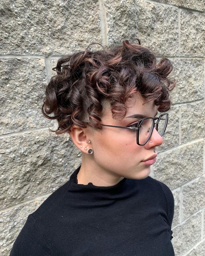 kurze haare locken moderne haarschnitte und farmen trandig lockig kurzhaarfrisur