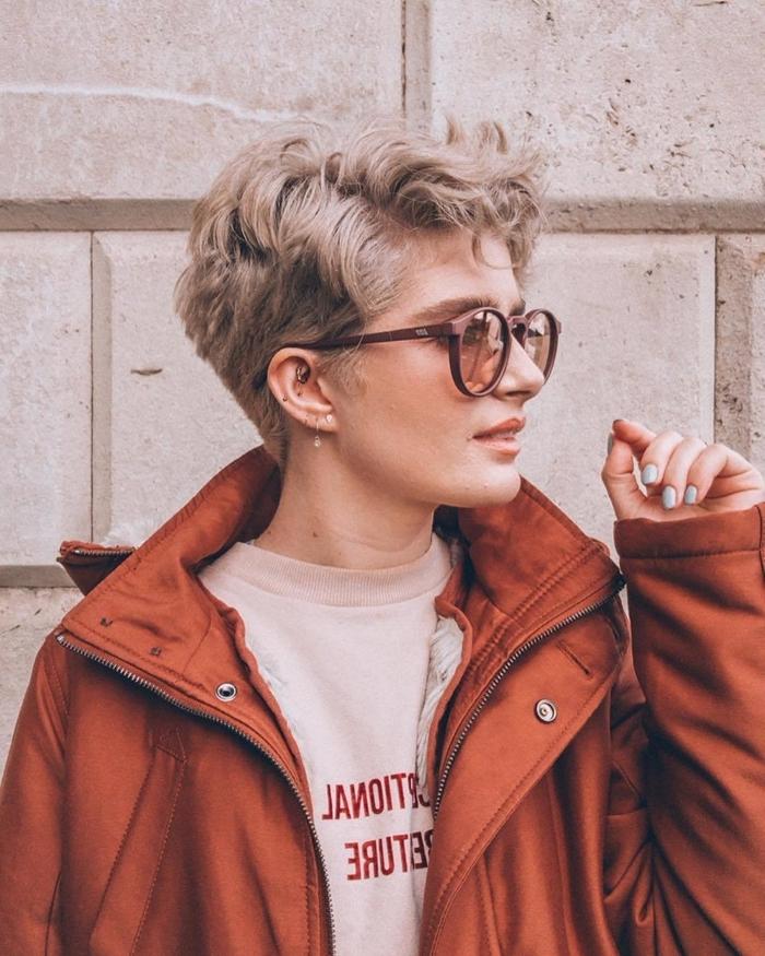 long pixie cut damenfrisuren 2021 moderne praktische haarschnitte blonde haare