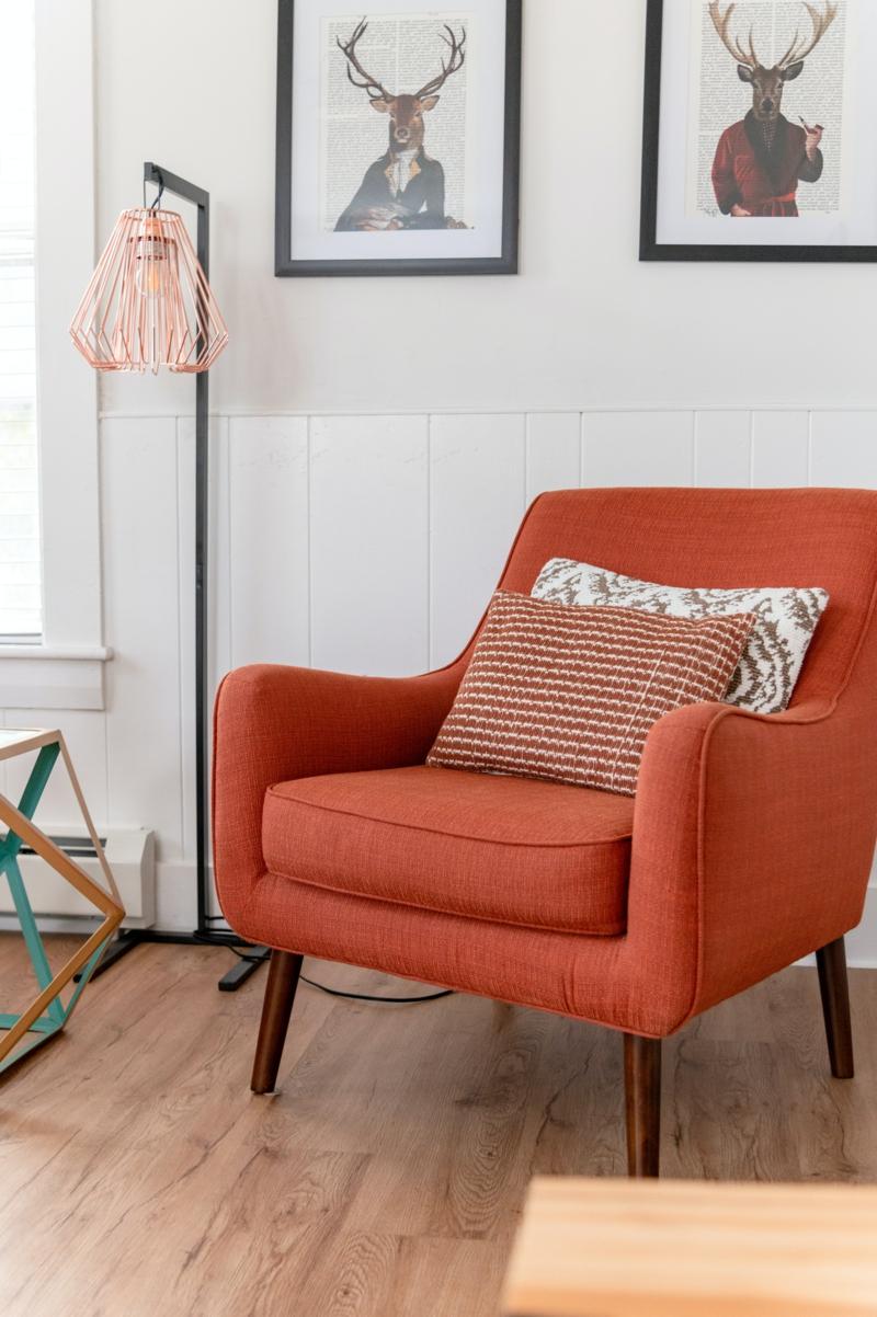 moderner sessel wohnideen mit stahl stylische stahllampe