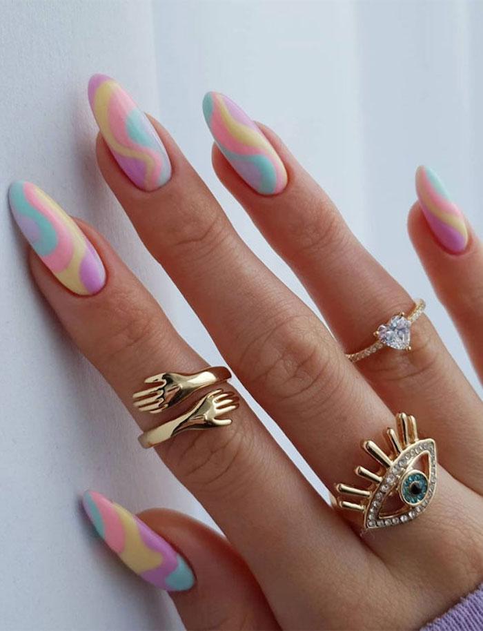 nageldesign 2021 trends gelnägel rosa sommer 2021 gelnägel sommer lange fingernägel ribbon deisgn in pastellfarben