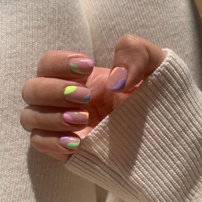 nails 2021 sommernägel design für 2021 fingernägel für 2021 ideen gelnägel sommer mit ribbon effekt für kurze nägel pastell gelb rosa lila