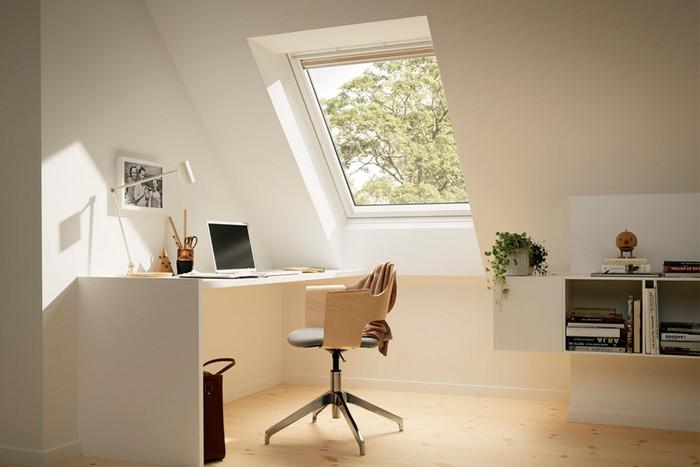 schreibtisch home office einrichtungsideen arbeitsplatz organisieren home office einrichten dachgeschoss dachfenster hell