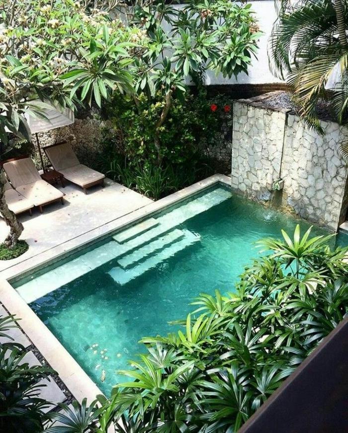 tropische einrichtung garten grüne bäume pool garten modern einrichten schwimmbad mit treppen