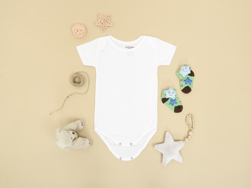 was gehört in wickeltasche checkliste babysachen neugeborene