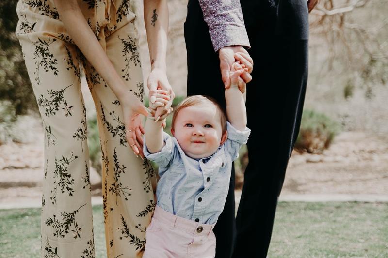 wickeltasche was gehört darin kleines baby familie