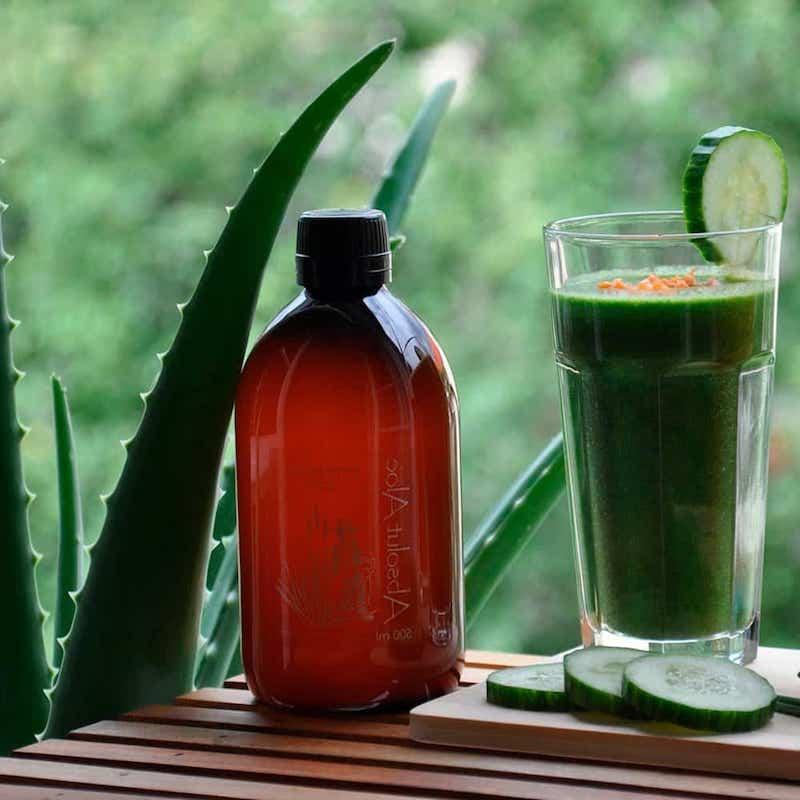 aloe vera wasser aloe vera getränk selber machen flasche mit aloe ver saft smoothie