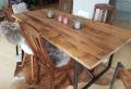Esstisch kaufen – welche sind die meist gemachten Fehler bei diesen aus Massivholz?