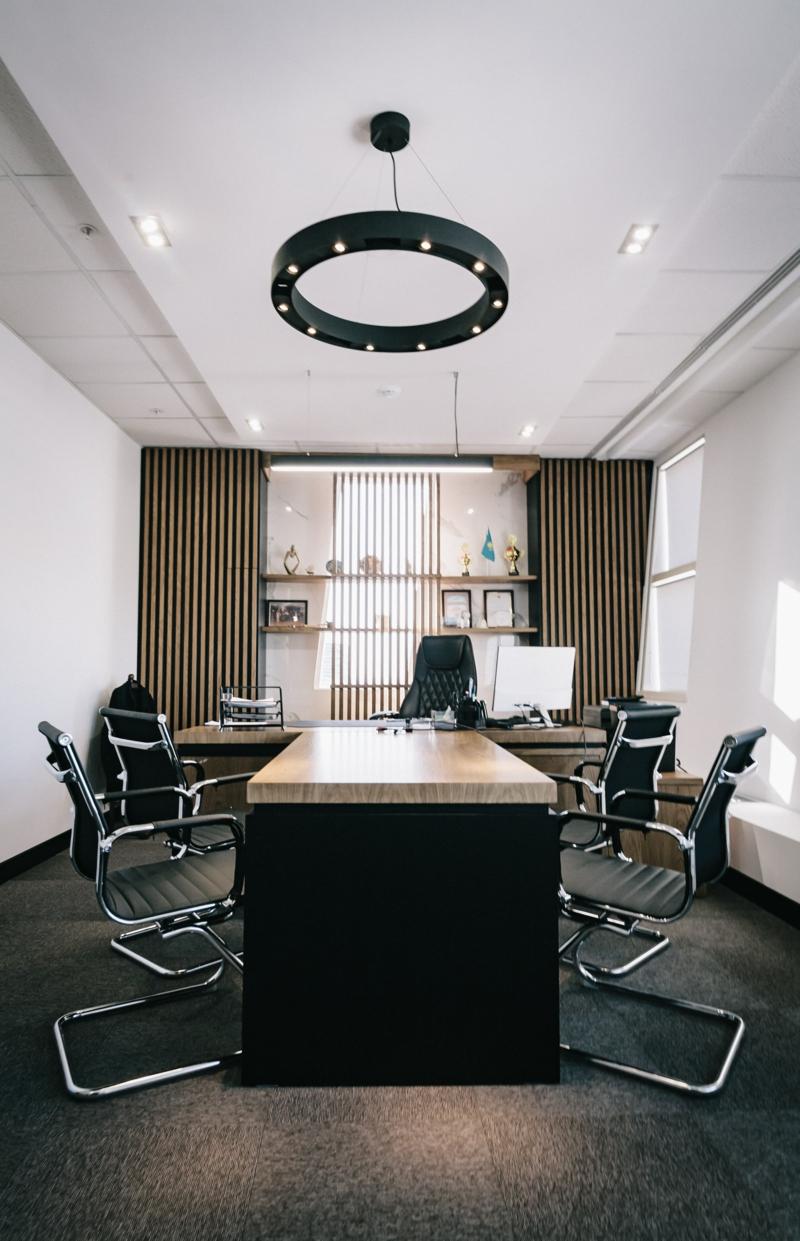 büro einrichten beleuchtung tipps bei der auswahl der konferenzstühle
