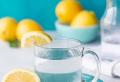 Warum ist das Trinken von Zitronenwasser gesund?