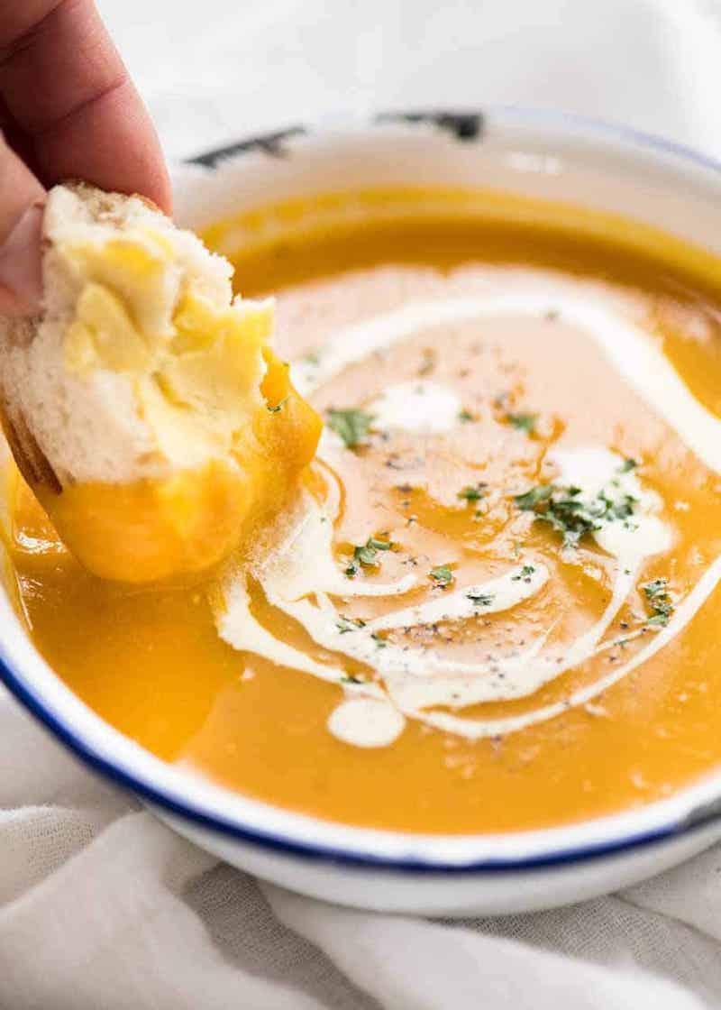 suppe aus kürbis kochen leichte rezepte mittagessen ideen