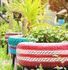 upcycling ideen für den garten pflanzentöpfe aus alten reifen