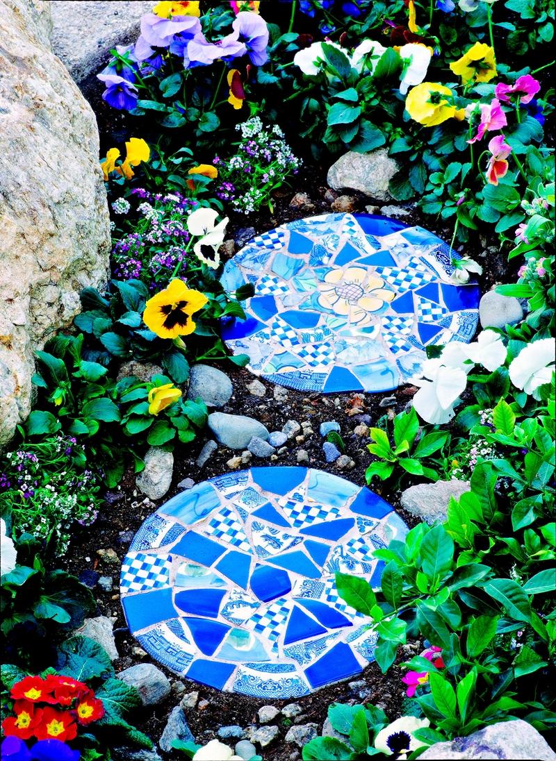 upcycling ideen geometrische steine pfad blumen diy
