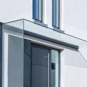 vordach aus glas moderner eingang überdachung