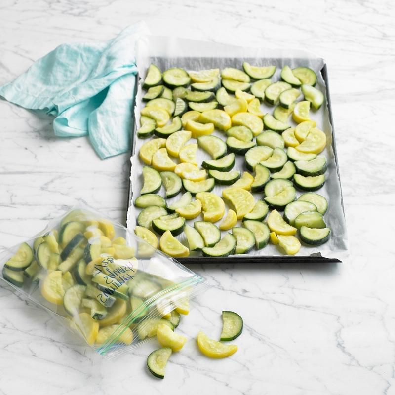 zucchini einfrieren richtige methoden zucchinischeiben halbmonde