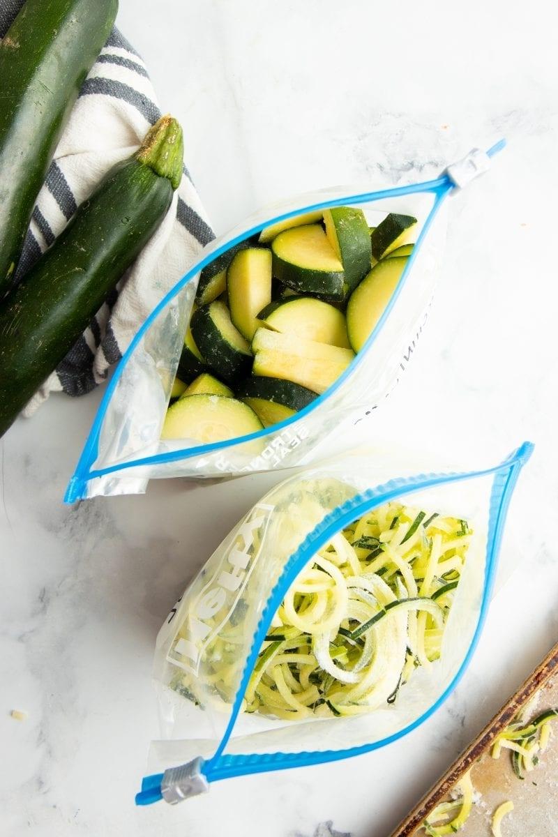zucchini haltbar machen schritt für schritt anleitungen gefrierfachbeutel