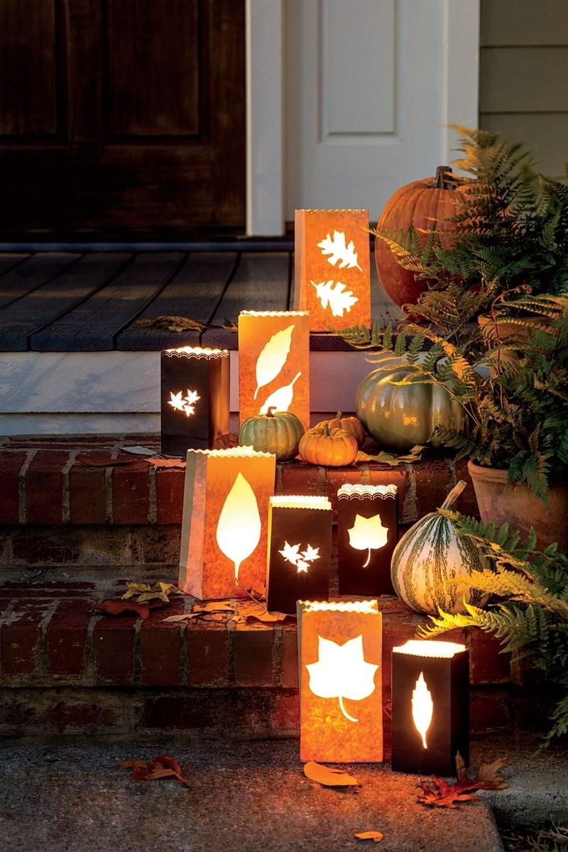deko für draußen hauseingang dekorieren halloween herbst laternen
