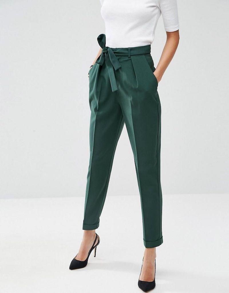 hosen trends 2021 damen dunkelgrüne hose office style