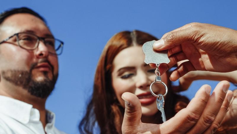 immobilie verkaufen passenden käufer finden tipps familie schlüssel