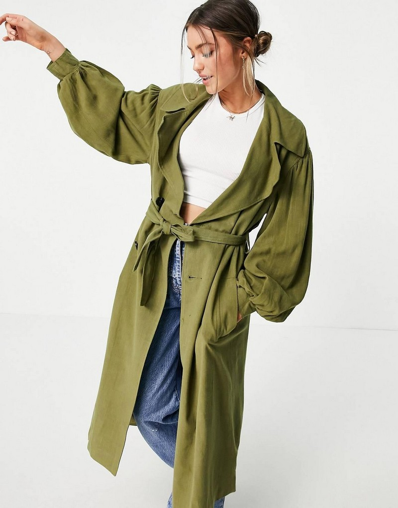 trendfarben 2021 herbst winter mode trendfarben oversize trenchcoat aus leinen olivengrün