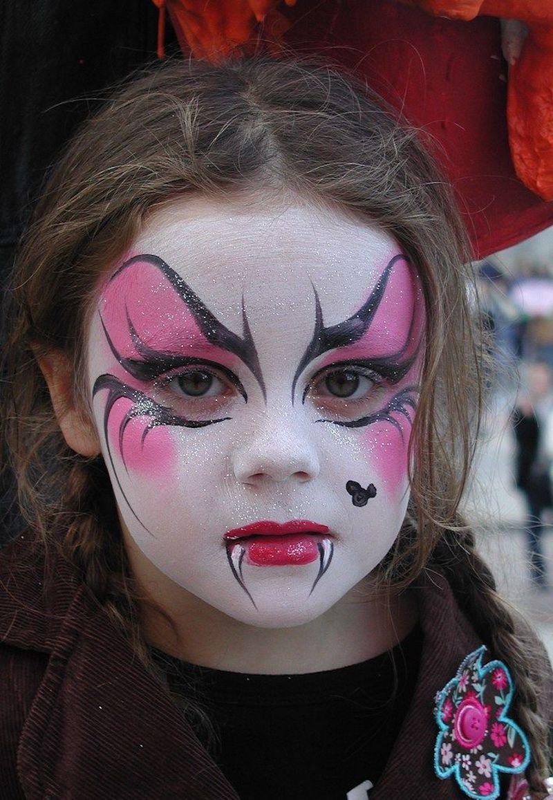 vampir kinder schminken mädchen vampir gesichts make up