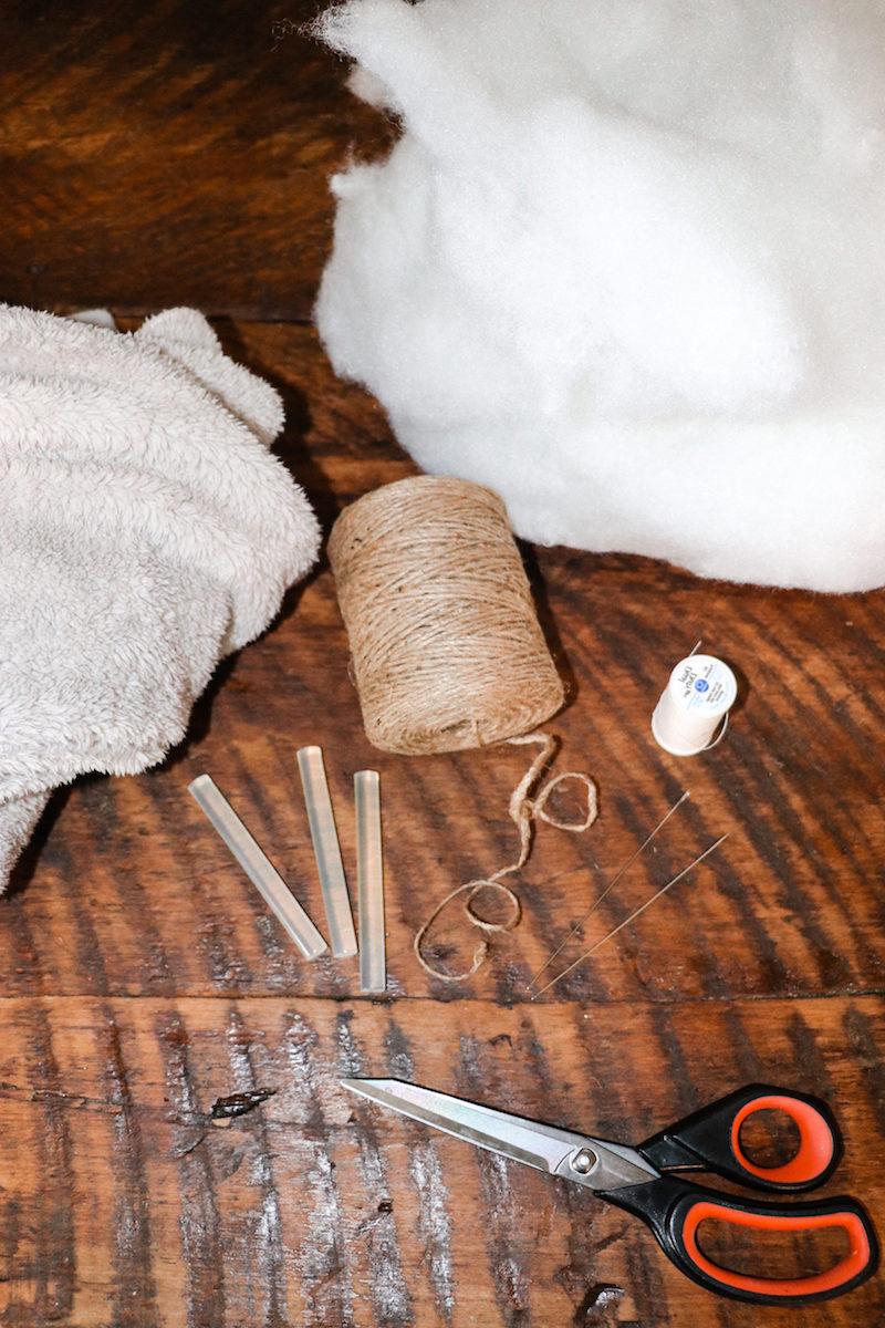 basteln mit 2jährigen kindern herbst bastelideen herbst gefüllte kürbisse aus altem pulli