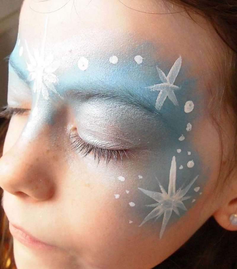 eiskönigin schminken elsa schminken einfach blau und weiß