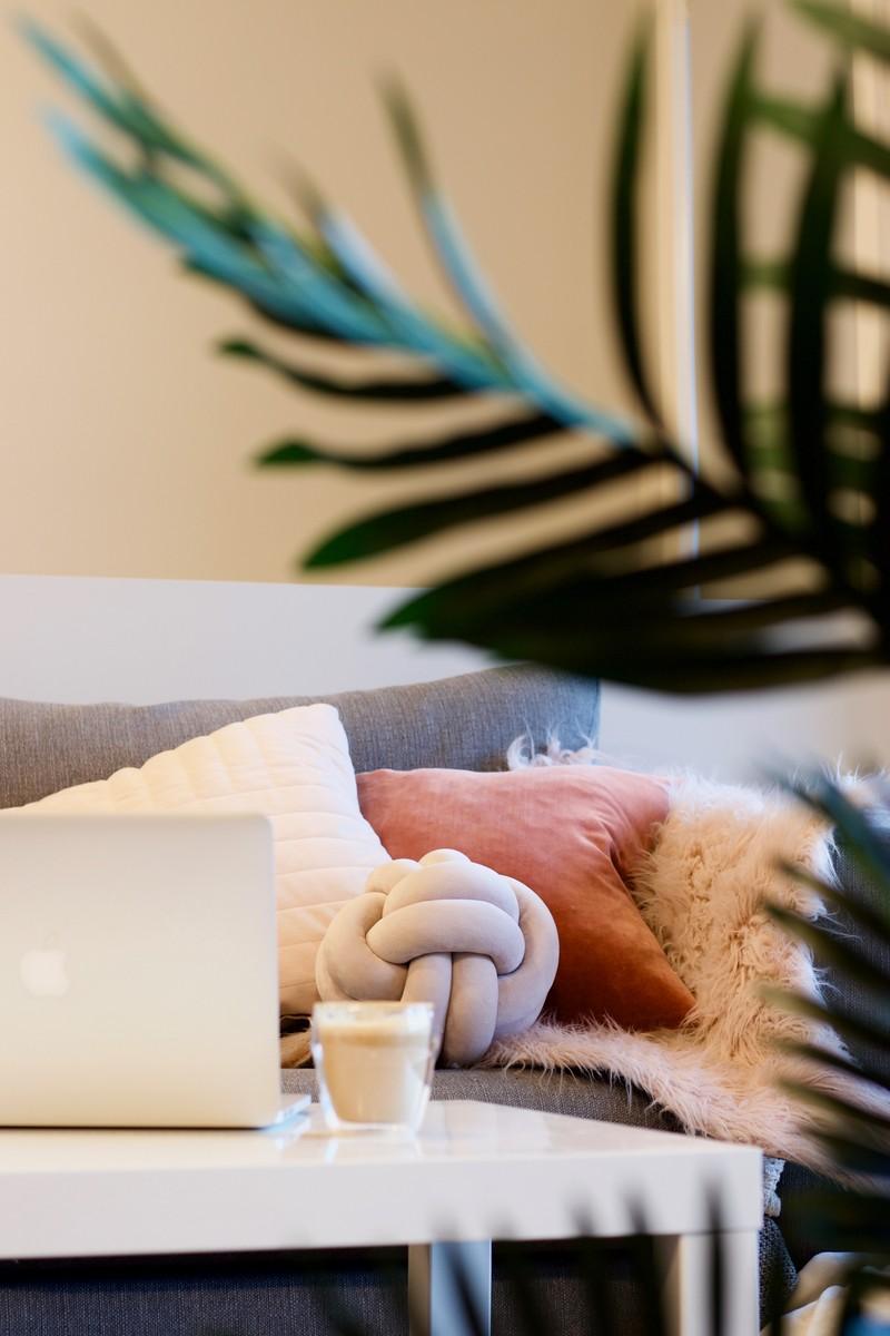 herbst deko trends 2021 ideen für deko herbst wohnzimmer kopfkissen knote design wilkens wohnstudio