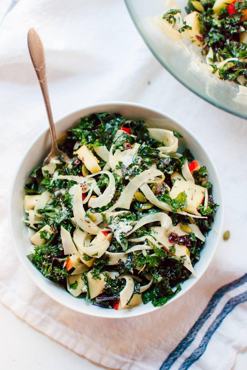 herbst salat der saison mit grünkohl fenchel honigcrisp und ziegenkäse