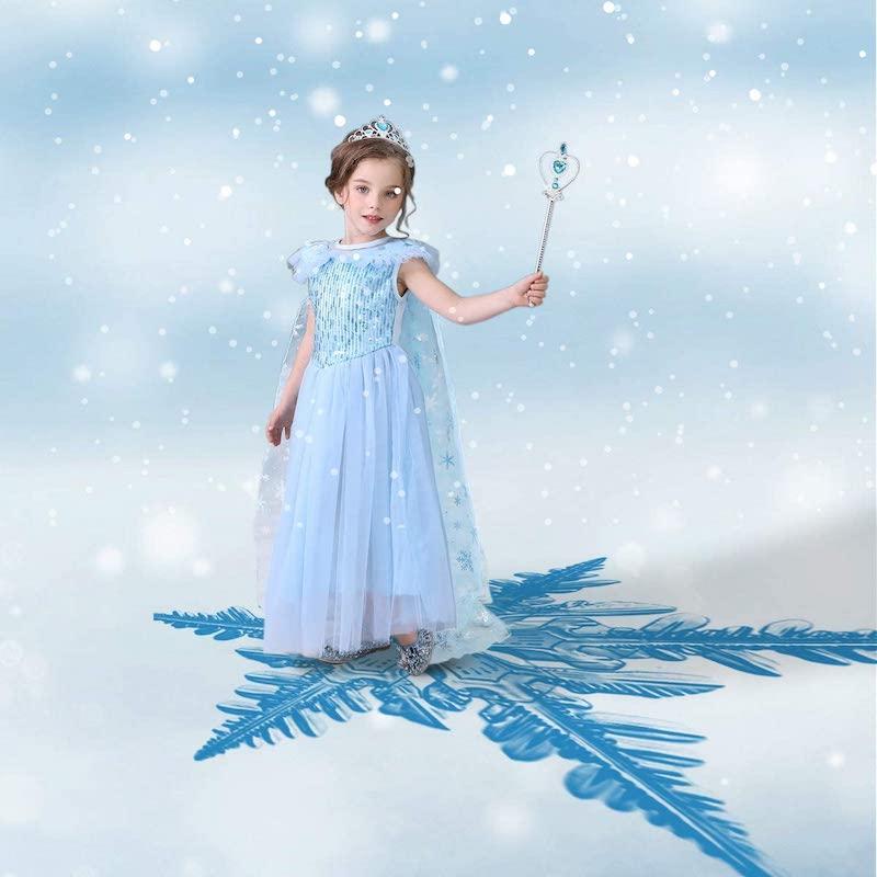 kinderschminken eisprinzessin ein mädchen mit kostüm und zauberstab