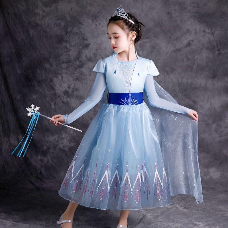 kinderschminken elsa einfach mädchen in elsa outfit