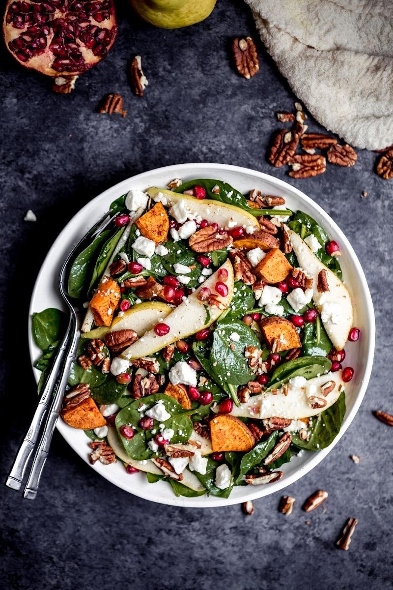 mittagessen inspiration herbstsalat sorten mit birnen und süßkartoffel