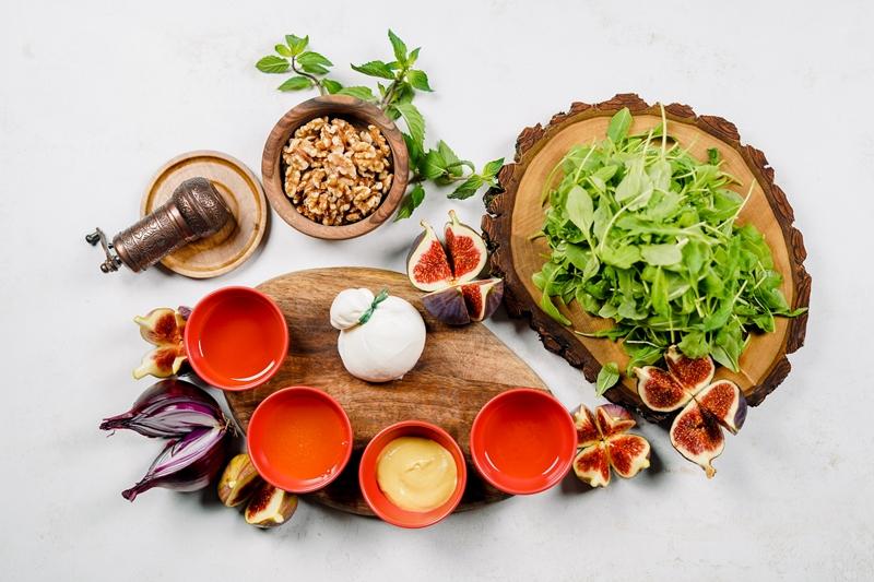 rezepte mit frischen feigen sommersalat mit feigen gesund essen