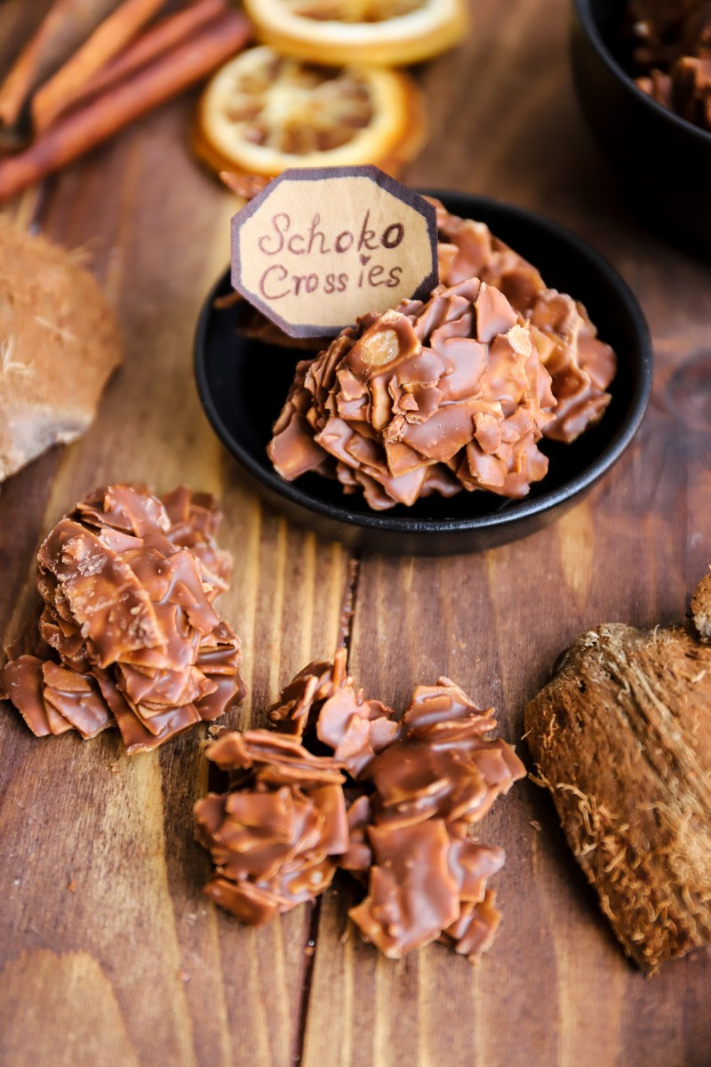schoco chips cornflakes schoko crossies selber machen rezept schüssel mit schoko crossies