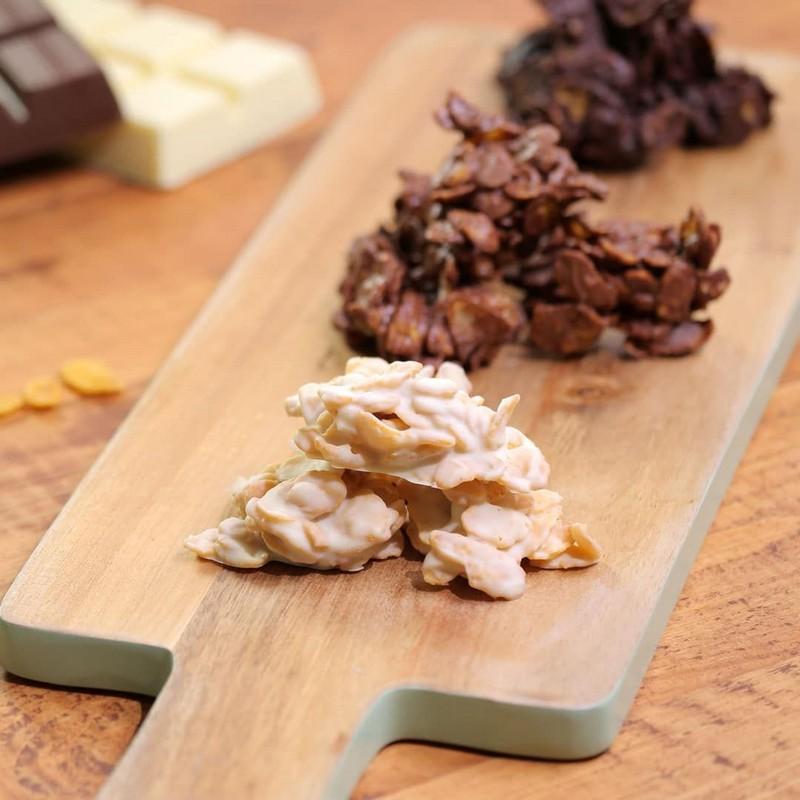schoko crossies mit weißer schokolade schoko crossies mit drei schokoladen selber machen